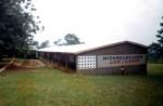 neu errichtetes Schulgebäude