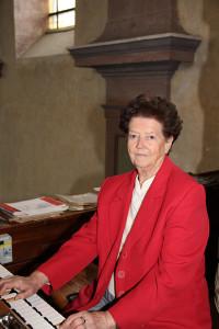 Theresia Hauthaler an der Orgel